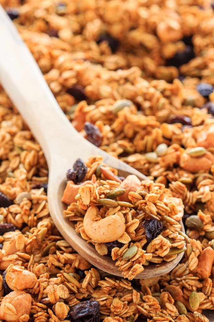 This homemade pumpkin spice granola is so easy to make - pair it with some yogurt for the perfect healthy breakfast or snack!