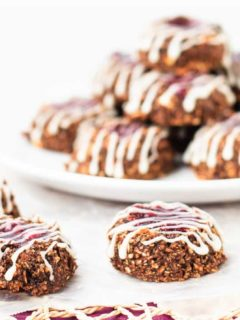 Healthy Chocolate Cherry Thumbprint Cookies - Quick and easy chocolate cherry thumbprint cookies that are as healthy as they are tasty! A chocolate fix that's good for you!