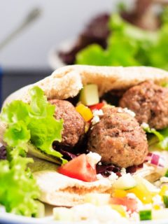 Meatball Souvlaki - An easy meal that the whole family will love! This meatball souvlaki is full of Greek flavours, plus the meatballs freeze well!