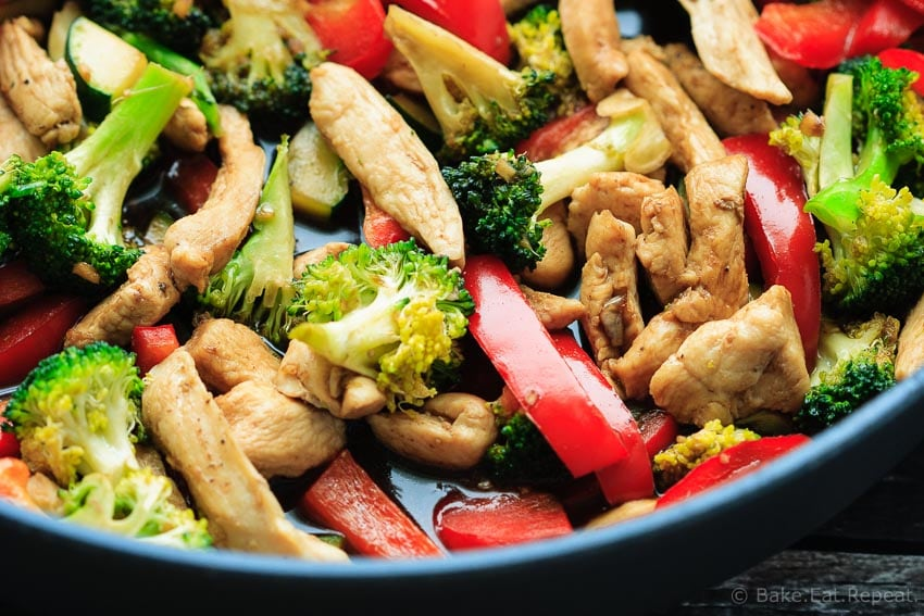 Teriyaki Chicken Stir-Fry - Easy teriyaki chicken stir-fry that is on the table in less than 30 minutes - and the whole family will love it! #30MinuteThursday