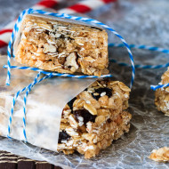 Oatmeal Raisin No Bake Granola Bars