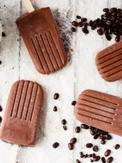 Mocha Fudgsicles - Homemade mocha fudgsicles that are quick and easy to make and are the perfect dessert. Creamy, chocolate-y, fudgy, mocha flavoured fudgsicles.