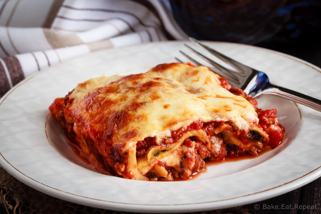 Ravioli Lasagna - An easier and faster version of a favourite pasta dish, this ravioli lasagna is absolutely amazing. Quick to make and tastes like the real thing!