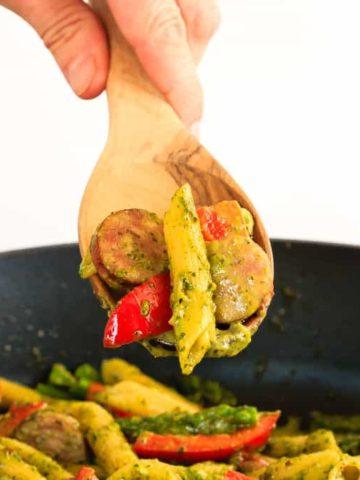 One Pot Sausage and Asparagus Pesto Pasta