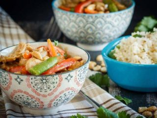 A quick and easy weeknight meal, this peanut chicken stir fry is filled with veggies and an amazing homemade peanut sauce - plus it's ready in 30 minutes!