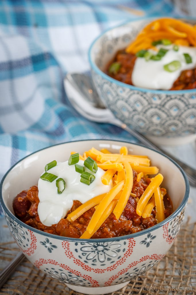 This slow cooker chili is super quick and easy to throw together and makes the perfect warming meal for these cold winter evenings!