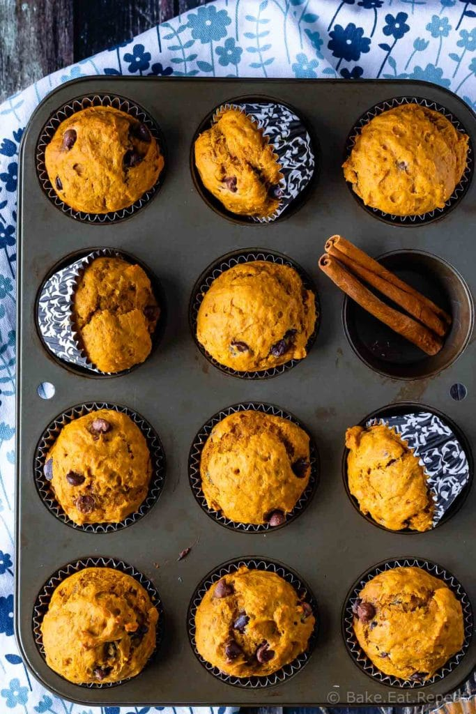 Easy chocolate chip pumpkin muffins