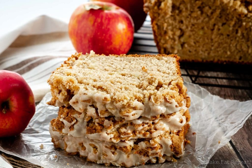 Apple bread with easy crumb topping