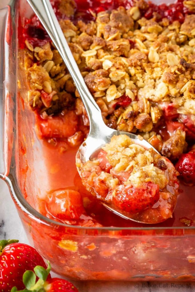 Strawberry and rhubarb fruit filling with a crunch oatmeal and brown sugar topping.
