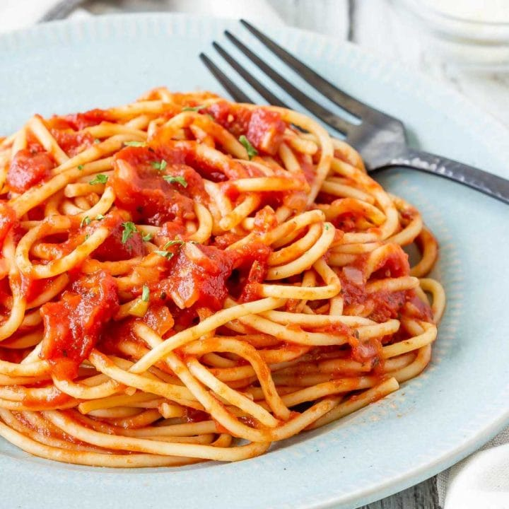 Easy homemade marinara sauce on spaghetti
