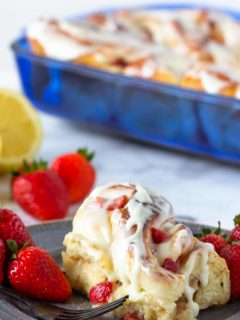 Easy to make sweet rolls filled with lemon and fresh strawberries