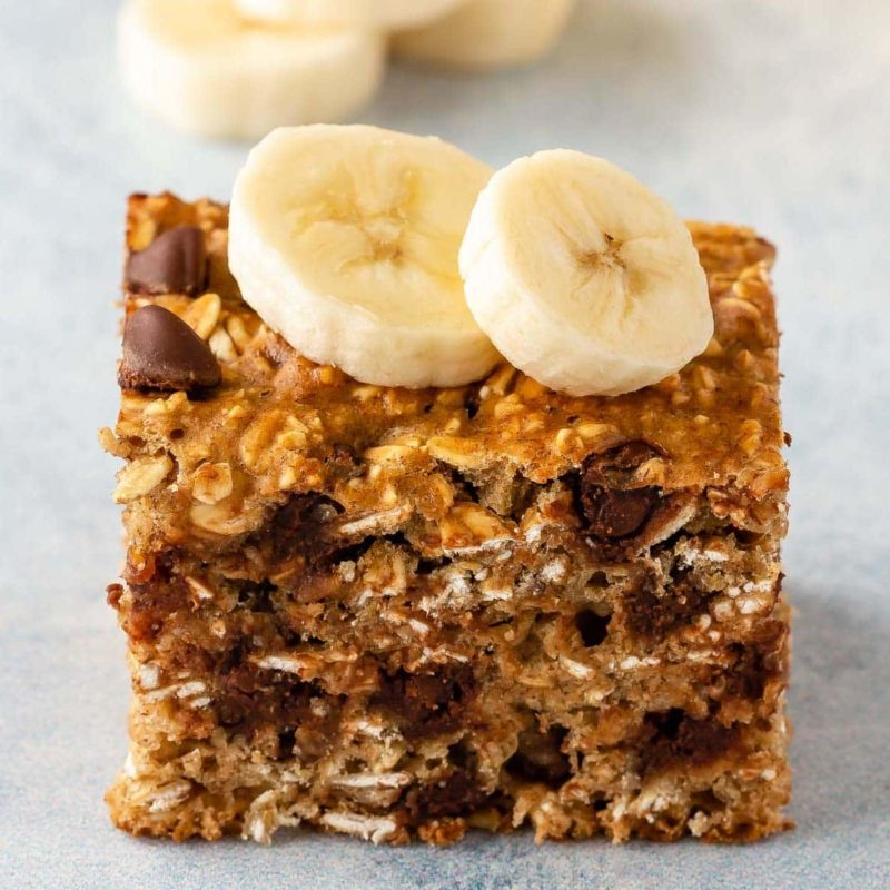 Healthy oatmeal bars with bananas and chocolate chips, perfect for breakfast.