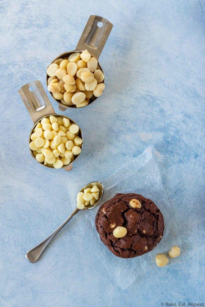 chocolate macadamia nut cookies