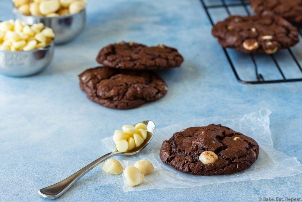 easy chocolate macadamia nut cookies