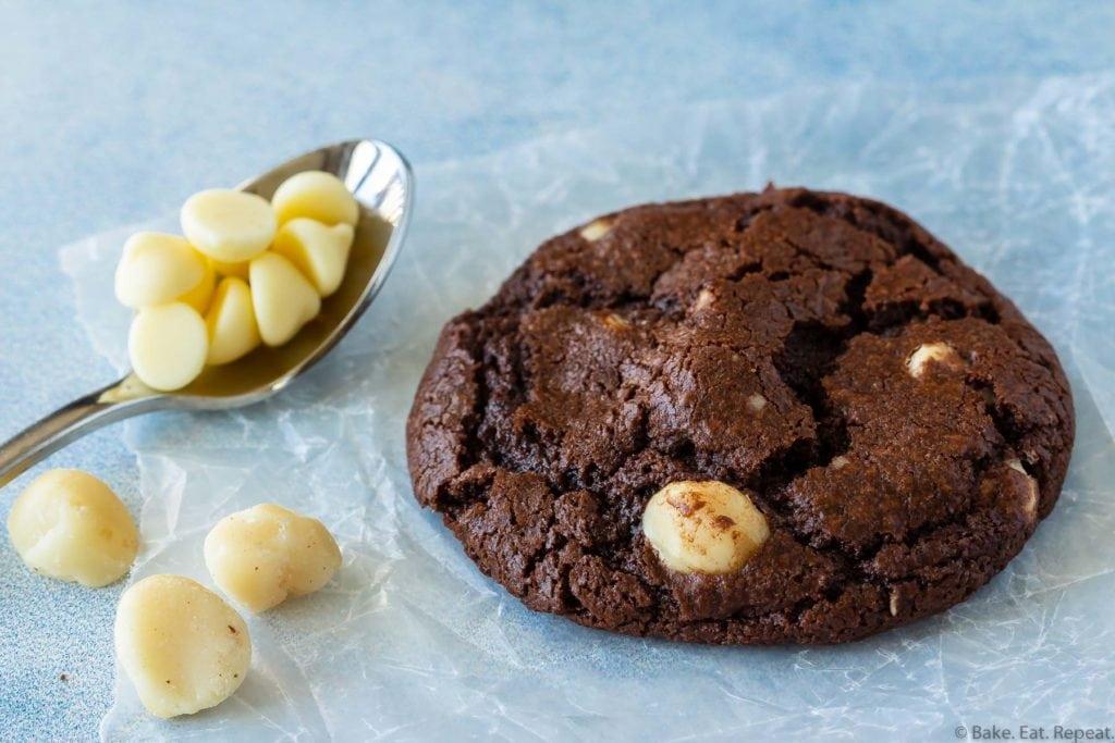 easy macadamia nut chocolate cookies