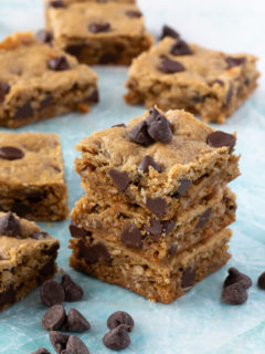 Oatmeal peanut butter bars with chocolate chips