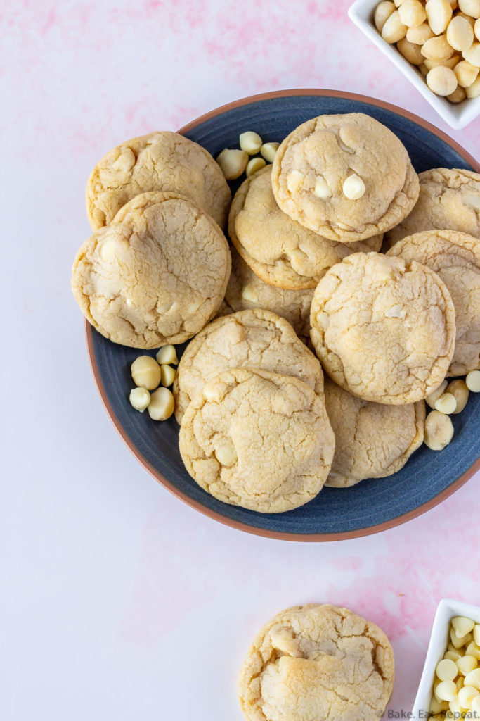 macadamia nut cookies with white chocolate chips
