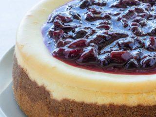 homemade cherry cheesecake